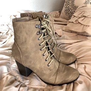Steve Madden tan combat boots